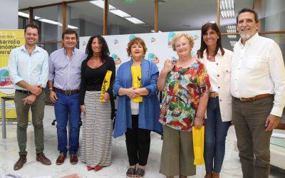 """De Marchi entregó los premios del concurso """"Vidrieras Navideñas"""""""