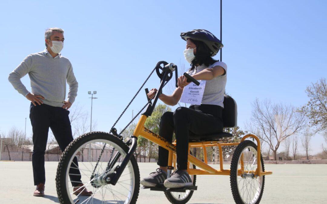 """Llegaron las primeras bicicletas adaptadas del programa """"Pedaleando Juntos"""" a Luján de Cuyo"""