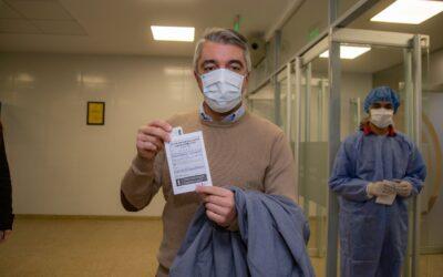 El Intendente Sebastián Bragagnolo fue vacunado contra el Covid-19
