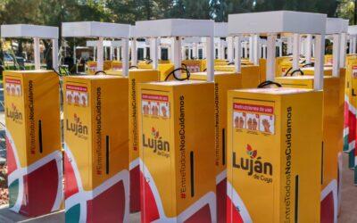Luján de Cuyo presentó 100 nuevos sanitizantes automáticos